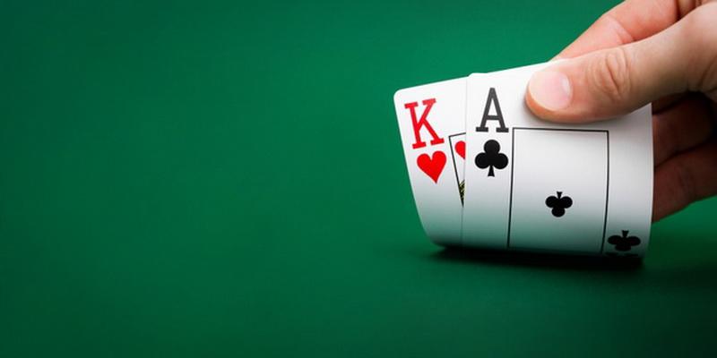 Dvi asmeninės kortos - poker taisyklės