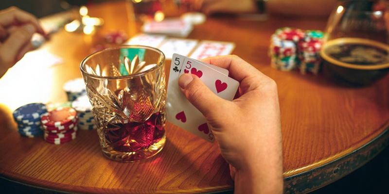 Dvi penkakės - pokerio pradžiamokslis