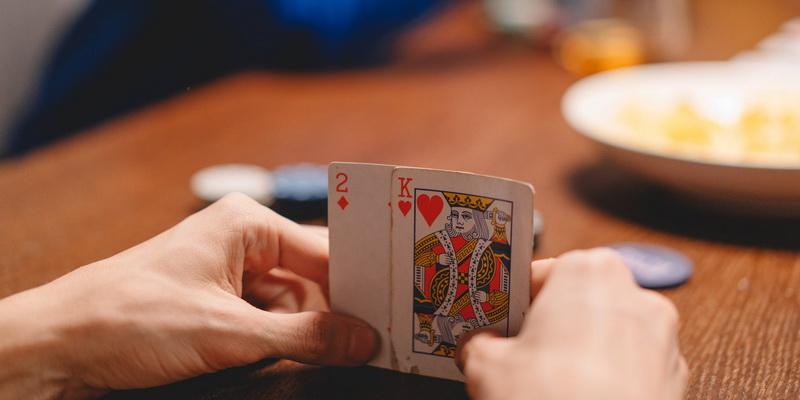 Karalius ir dviakė - pradines pokerio kortos