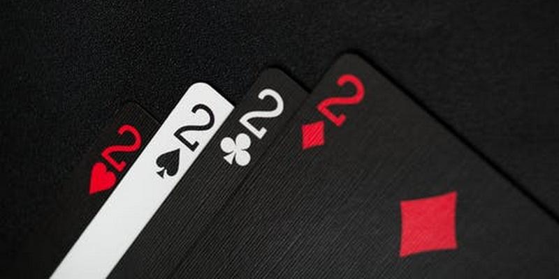 Keturi dvejetai - gyvas pokeris pradedantiesiems