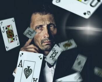 Žaidėjas ir daugybė kortų